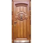 Нестандартные входные металлические двери массив дуба