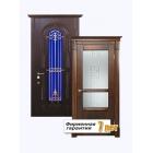 Входная металлическая остекленная дверь с отделкой натуральным массивом дуба