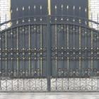 Въездные и гаражные распашные ворота, навесные промышленные ворота