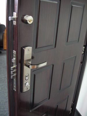 гнуто-сварные двери